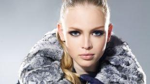 Макияж для блондинок с голубыми глазами, стильный смоки айс для серых глаз