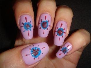 Рисунки цветов на ногтях, розовый маникюр с голубыми цветами