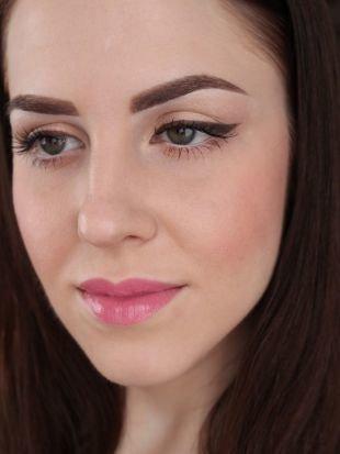 Идеальный макияж, дневной макияж со стрелками