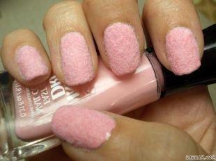 Дизайн коротких ногтей, бархатный розовый маникюр