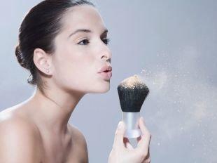 Как выбрать пудру для лица: секрет идеальной кожи