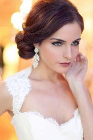 Прическа пучок на длинные волосы, нежная свадебная прическа на длинные волосы