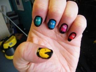 Рисунки на черных ногтях, симпатичный маникюр с привидениями
