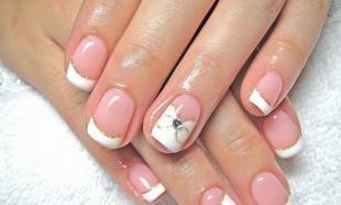Рисунки блестками на ногтях, классический маникюр для невесты