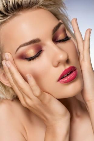 Вечерний макияж для зеленых глаз, праздничный макияж с рыжими тенями