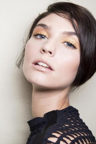 Золотой макияж, золотистый макияж глаз