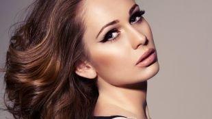Темный макияж для серых глаз, макияж с голливудскими стрелками
