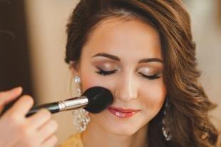 Макияж для больших зеленых глаз, коричневый свадебный макияж