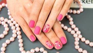Дизайн ногтей, розовый матовый маникюр на короткие ногти