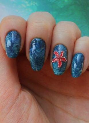 Темный маникюр, синий маникюр с морской звездой