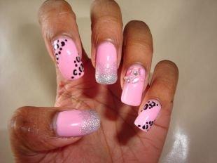 Дизайн нарощенных ногтей, розовый маникюр