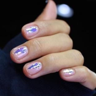 Дизайн ногтей с фольгой, быстрый маникюр на короткие ногти
