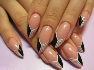 Двойной френч на ногтях, модный нейл-дизайн