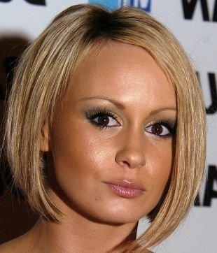 Причёски с распущенными волосами на короткие волосы, изящная стрижка прическа каре