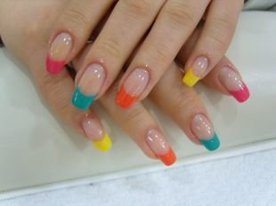 Красивый френч на квадратных ногтях, разноцветный красивый френч