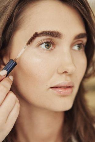 Легкий макияж для зеленых глаз, цвет бровей для дневного макияжа