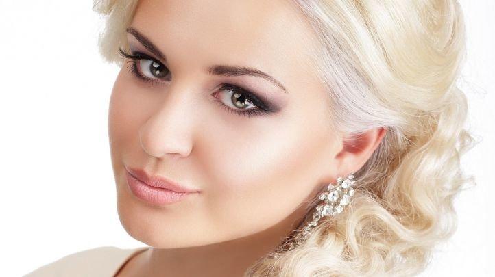 Выравнивание тона лица в свадебном макияже