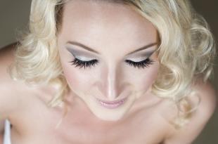 Свадебный макияж в греческом стиле, свадебный макияж в серых тонах