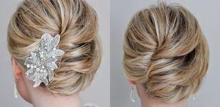 Объемные прически на средние волосы, красивая прическа ракушка