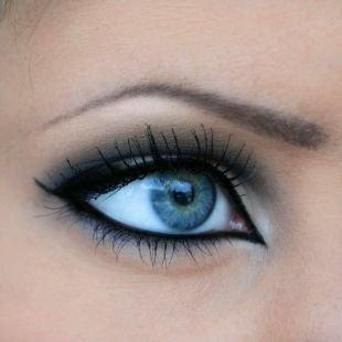 Яркий макияж для голубых глаз, интригующий макияж для серо-голубых глаз