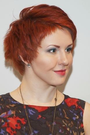 Макияж для красных волос, стильная короткая стрижка для рыжих