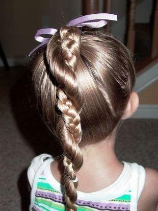 """Праздничные детские прически на длинные волосы, детская прическа на выпускной """"два в одном"""" - коса и канат"""
