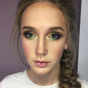 Яркий макияж для зеленых глаз, яркий летний макияж для зеленых глаз