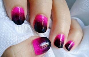 Лёгкий маникюр на коротких ногтях, фиолетово-розовый градиентный маникюр