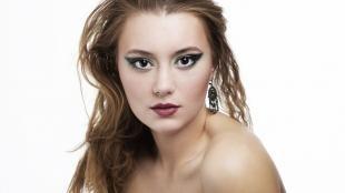 Авангардный макияж, макияж глаз со стрелками