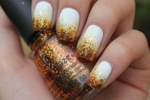 Осенние рисунки на ногтях, белый френч с блестящими кончиками