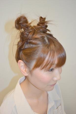Цвет волос светлый орех на длинные волосы, молодежная прическа на основе двух пучков