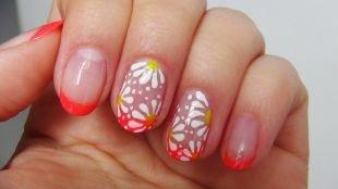 Рисунки ромашек на ногтях, алый френч с ромашками