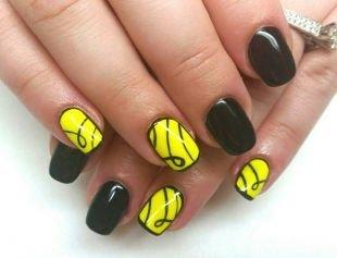 Рисунки с узорами на ногтях, черно-желтый маникюр с рисунком