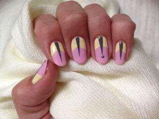 Современные рисунки на ногтях, маникюр с оригинальным узором для ногтей овальной формы