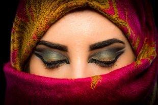 Арабский макияж для зеленых глаз, темный восточный макияж