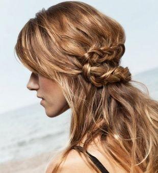 Прически с кудрями на длинные волосы, прическа с косой в стиле «бохо»