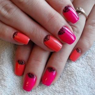 Коралловые ногти с рисунком, яркий розовый дизайн ногтей с черными узорами