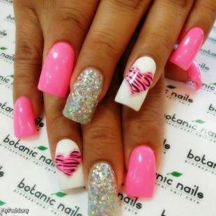 Бело-розовый маникюр, розовый дизайн ногтей с глиттером и сердечками
