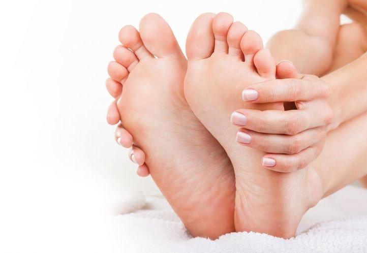 Отшелушивающие носочки для педикюра