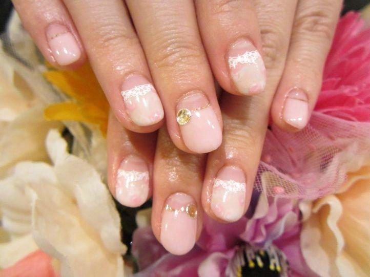 Французский маникюр (френч) на коротких ногтях, фото 6